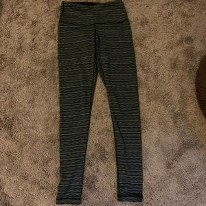 High waisted black and white patterned leggings